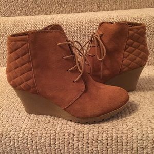 Caramel suede Mia wedge boots size 10 like new